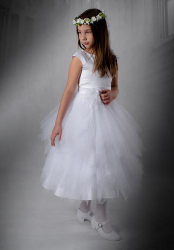 5636579c12 Sukienka komunijna Asia z piękniej koronki i zwiewnego tiulu