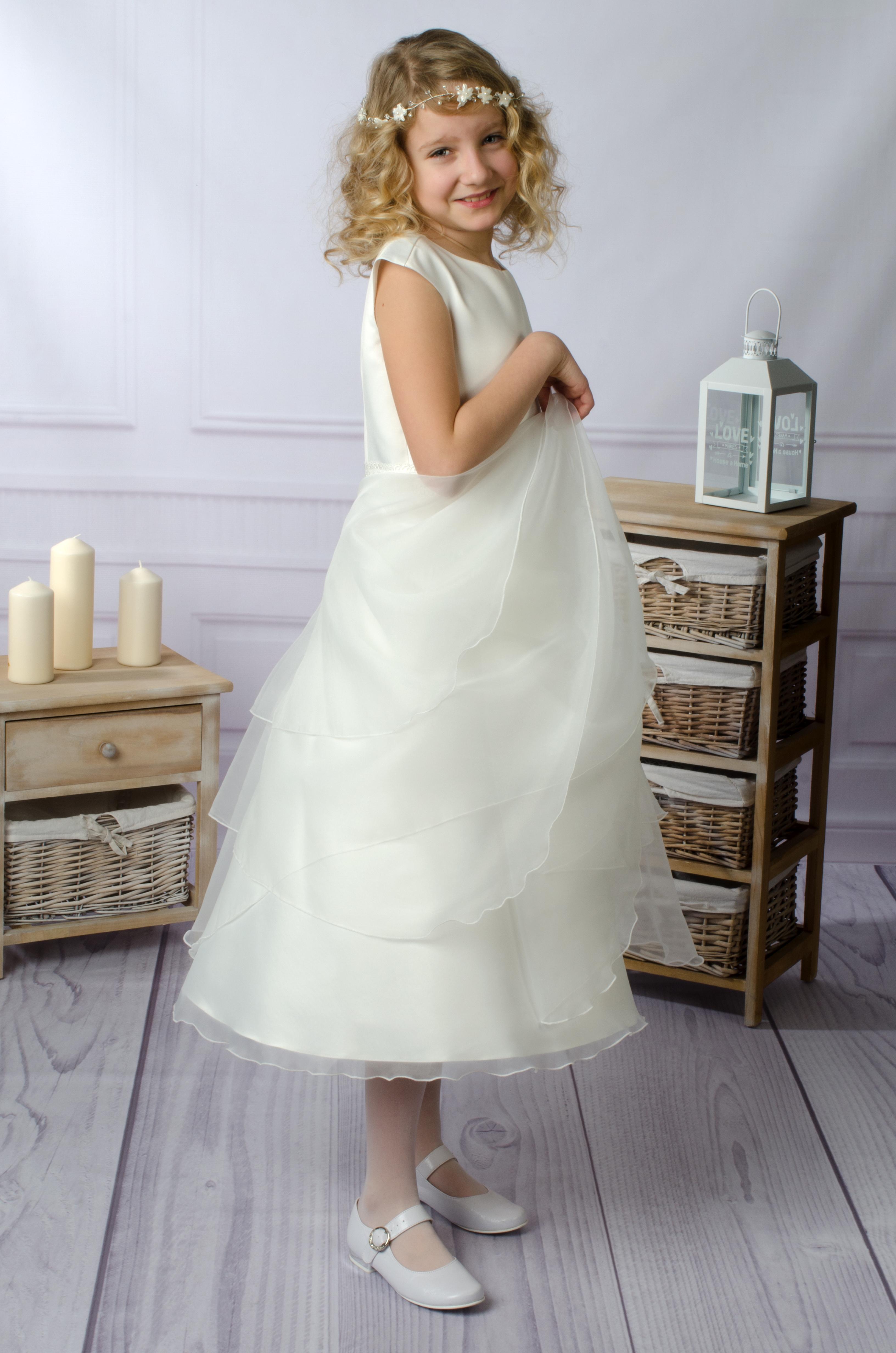 e1c295c4b4 Piękna i delikatna sukienka z bardzo efektowną spódnicą.
