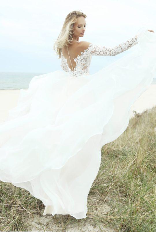 Suknia ślubna z długim rękawem Badawi