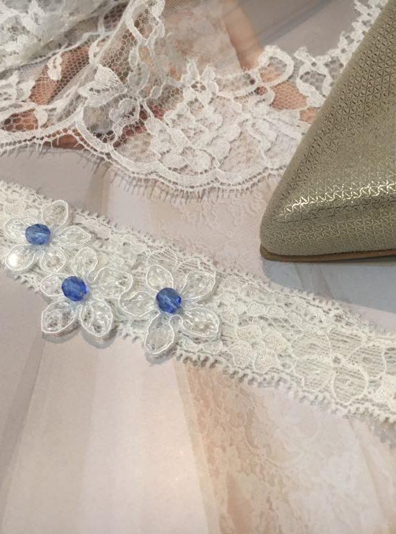 Podwiązki ślubne z delikatniej koronki
