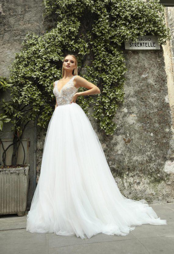 Panadczasowa suknia ślubna
