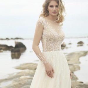 Suknia ślubna Ceres wyszywana tysiącami kryształków