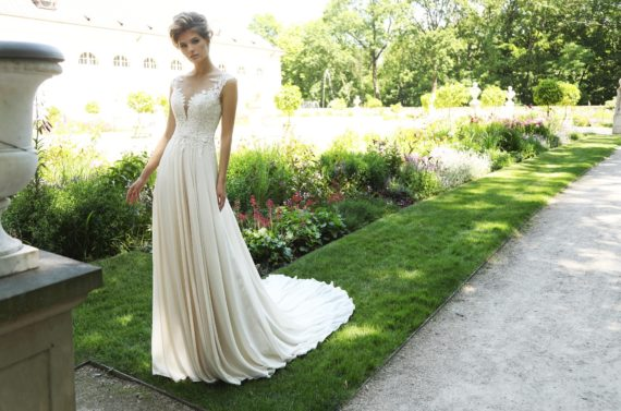Suknia ślubna Cirrus o klasycznym kroju